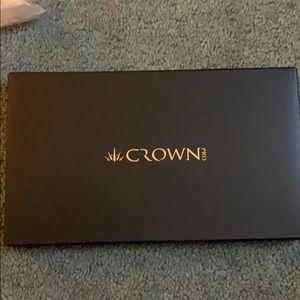 Crown cosmetics eyeshadow palette